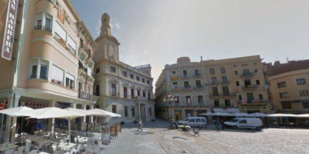 La Guardia Civil registra el ayuntamiento de Reus y detiene a la primera teniente de