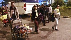 Llegan a España los primeros españoles repatriados desde