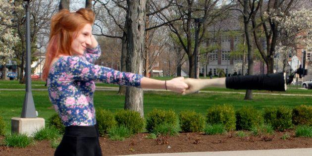 ¡Que no parezca que es una autofoto! El brazo-'selfie' es la solución