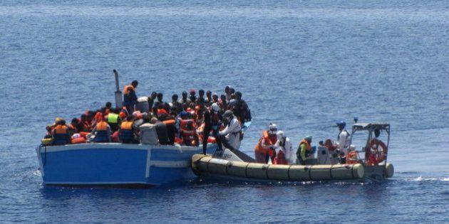 5.700 inmigrantes rescatados en el Canal de Sicilia en 48