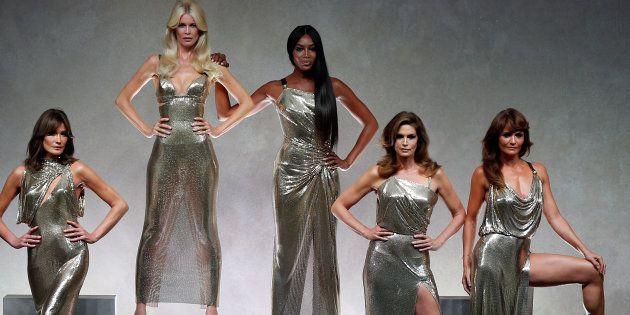 De izquierda a derecha, Carla Bruni, Claudia Schiffer, Naomi Campbell, Cindy Crawford y Helena