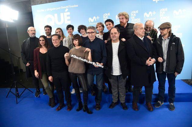 El director David Trueba con los actores Elena Furiase, Úrsula Corberó, Santiago Segura, Antonio Resines,...