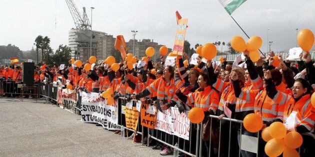 Estibadores protestan en el puerto de