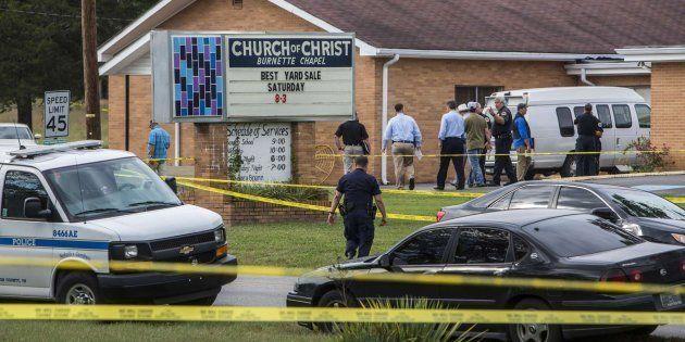 Un muerto y ocho heridos en un tiroteo en una iglesia de