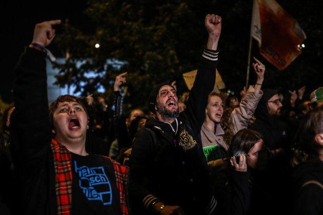 Miles de personas se concentran espontáneamente en varias ciudades alemanas contra el