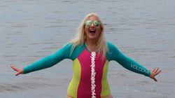 Las risas de una pareja al verla en bañador ayudaron a esta mujer a aprender una valiosa lección de