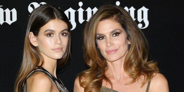 Kaia Gerber y Cindy Crawford, en una fiesta de 'Vogue Italia' durante la Semana de la Moda de Milán el...
