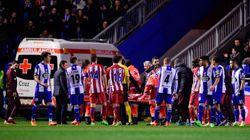 La foto de dos jugadores del Atlético atendiendo a Torres emociona en la
