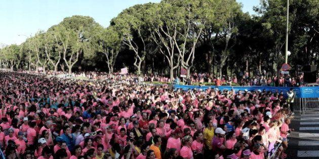 La marea rosa corre contra el cáncer de mama en la Carrera de la