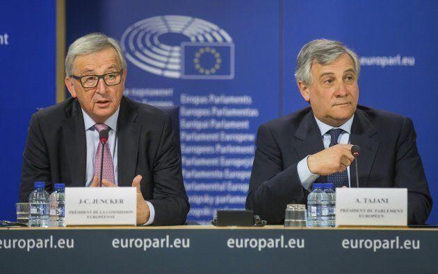 Jean-Claude Juncker , presidente de la Comisión Europea, y Antonio Tajani, presidente del Parlamento
