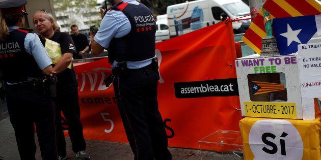 La carta de un mosso a los policías y guardias civiles desplazados a Cataluña arrasa en las redes: