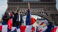 Fillon pide perdón a una multitud concentrada en su apoyo en