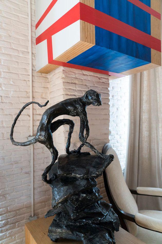 Rincón con un buen mix de esculturas: Peio Irazu y Miquel