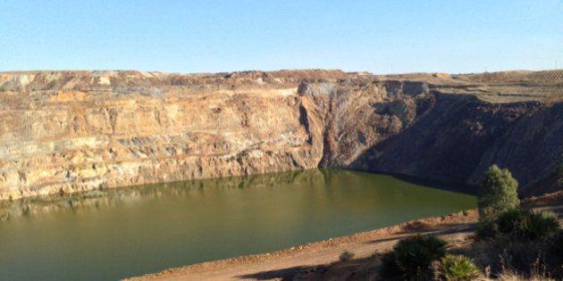 La Junta de Andalucía paraliza la adjudicación de la mina de