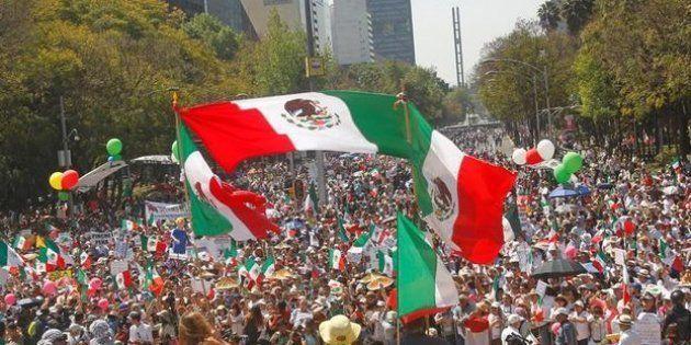 Manifestantes durante una protesta contra Trump en Ciudad de