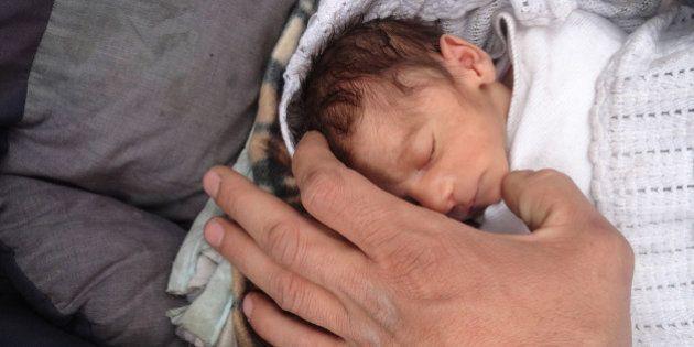 UNRWA presenta a Amira, el bebé milagro que muestra el hambre en
