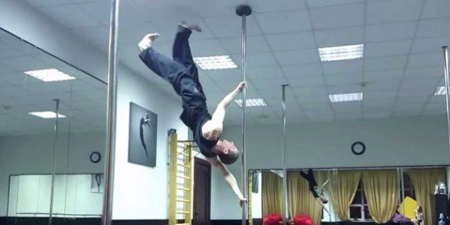 El vídeo de un gimnasta desafiando a la gravedad que triunfa en