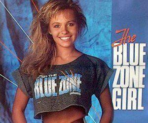 Pamela Anderson despide a Hugh Hefner como a él le gustaría