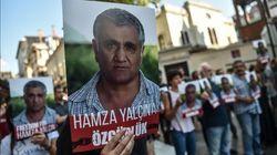 El periodista turco-sueco Hamza Yalçin sale de la cárcel tras 56 días