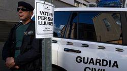 Un cóctel molotov impacta contra el cuartel de la Guardia Civil que requisó las urnas, sobres y