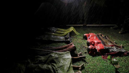 Al menos 20 muertos y más de 60 desaparecidos en el naufragio de un barco con rohingyas en