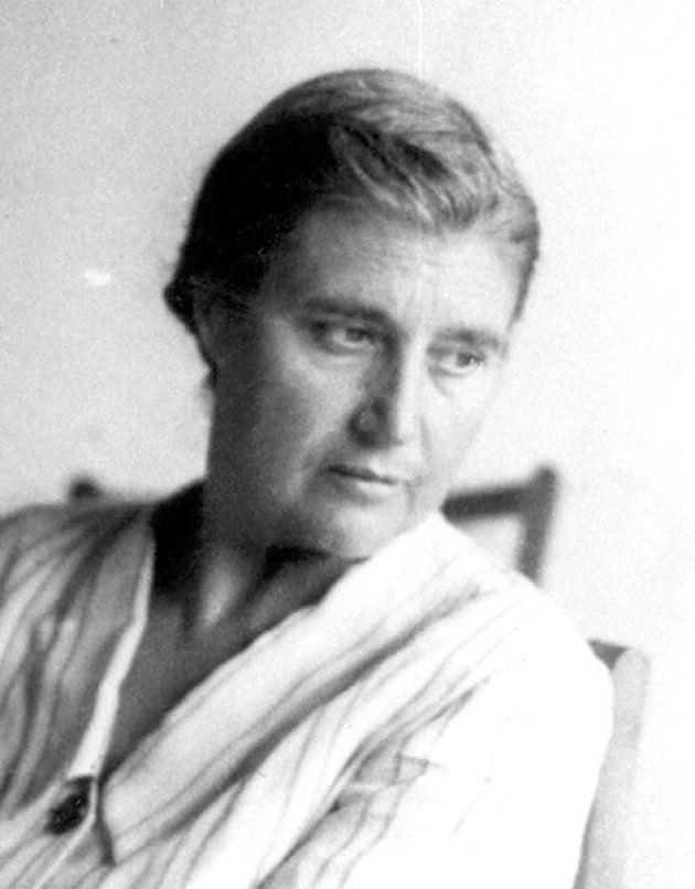 María Moliner: la labor titánica de una mujer para crear (sola) un