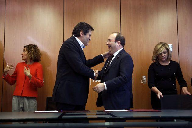 El PSOE y el PSC firman la