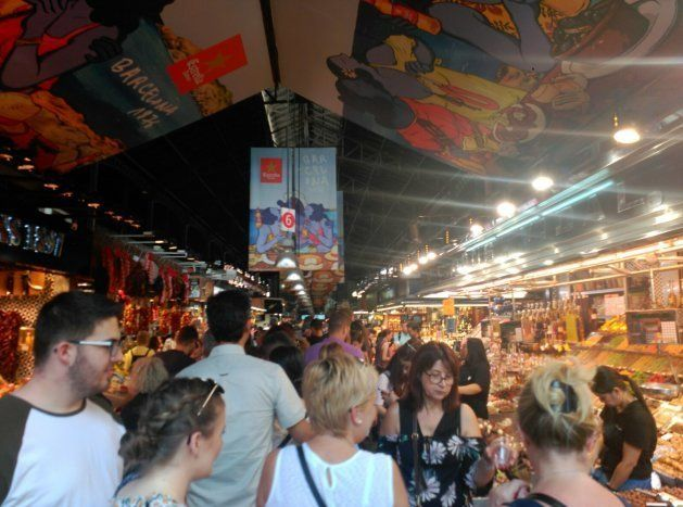 La Boquería de Barcelona llena de