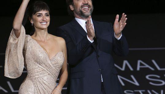 Penélope Cruz y Javier Bardem triunfan en San Sebastián con 'Loving