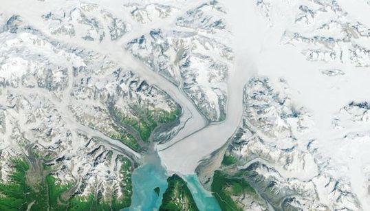 Un glaciar que va al