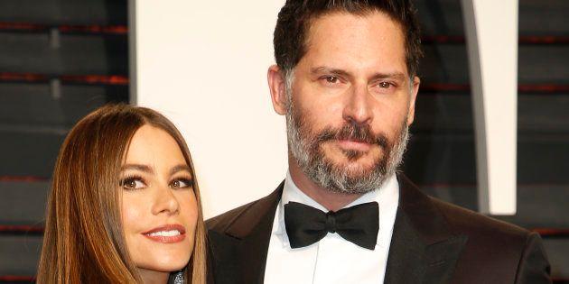 Los actores Sofia Vergara y Joe Manganiello en la fiesta de los Oscar de Vanity Fair en