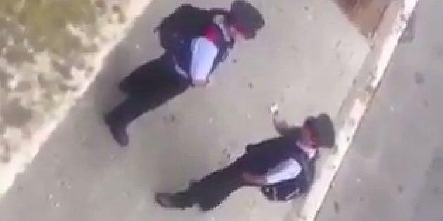 Una asociación de guardias civiles denuncia la inacción de los Mossos con un vídeo en el que se les ve...