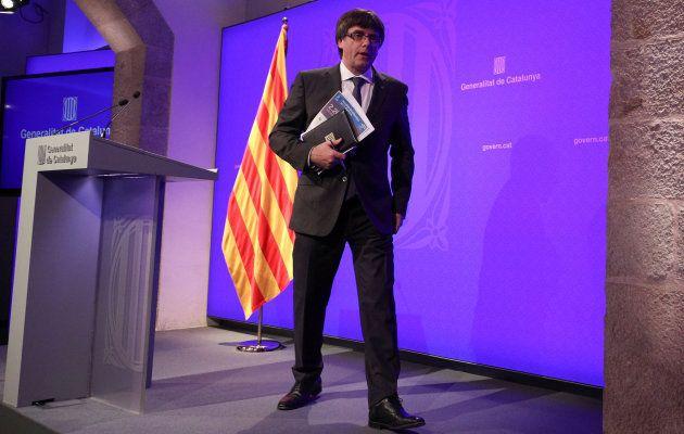 El presidente catalán Carles Puigdemont tras acabar la rueda de