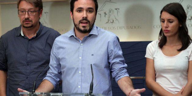 Alberto Garzón carga con dureza contra Rajoy y Sánchez y arrasa en