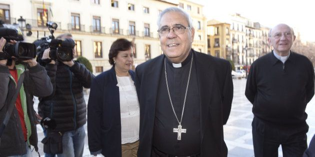 El arzobispo de Granada, Francisco Javier Martínez, a su llegada a la Audiencia de