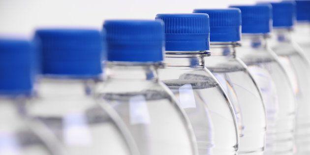 El ránking de la OCU de las mejores marcas de agua embotellada del