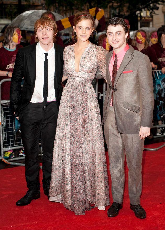 Rupert Grint, Emma Watson and Daniel Radcliffe atendiendo a la prensa en Londres en el estreno de 'Harry...