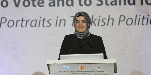 Holanda detiene a la ministra de Familia turca en