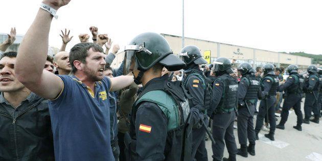 Incidentes en el exterior del Pabellón Deportivo municipal de Sant Julia de Ramis