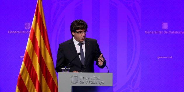 Puigdemont irá el lunes al Parlament para la posible declaración de