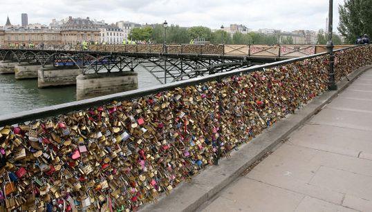 París dice adiós a sus 'candados del amor' y otras fotos del