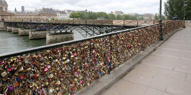 Adiós a los 'candados del amor' en el Puente de las Artes de París y otras fotos que deja el