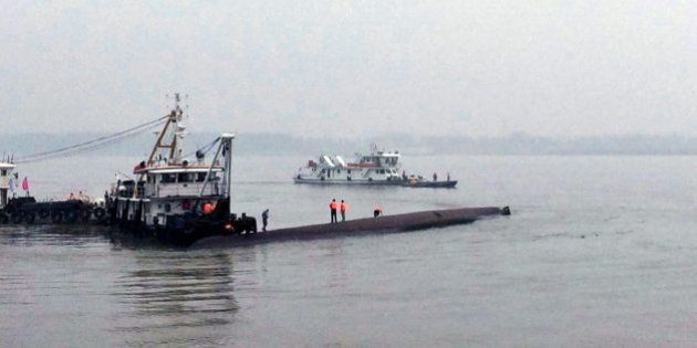 Más de 400 desaparecidos tras un naufragio en el río Yangtsé en