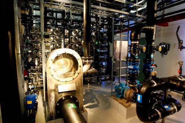 Interior de la primera planta de energía osmótica del mundo en