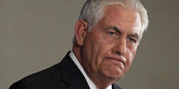 Tillerson niega que se haya planteado dimitir por sus roces con
