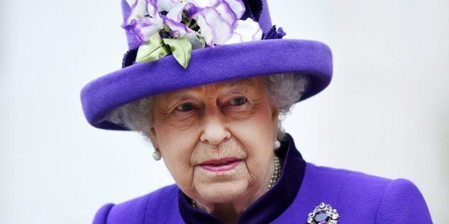 La reina Isabel II estuvo a punto de ser disparada por uno de sus