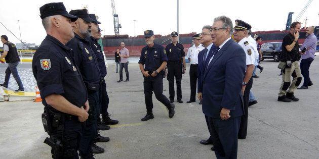 Interior retirará las medallas a los Mossos que no expresen formalmente