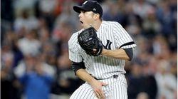 Un jugador de béisbol recibe una pelota donde no debía y la reacción del lanzador lo dice