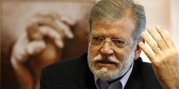Dirigentes históricos del PSOE piden a Pedro Sánchez que colabore