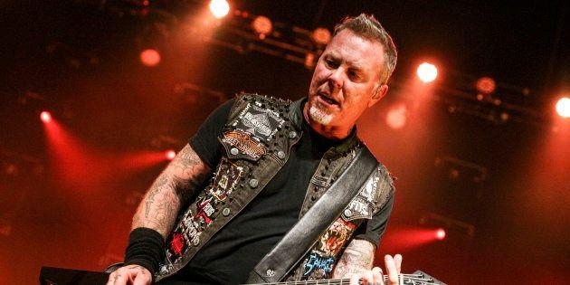 James Hetfield, el cantante de Metallica en un concierto en diciembre de 2016 en Los Ángeles